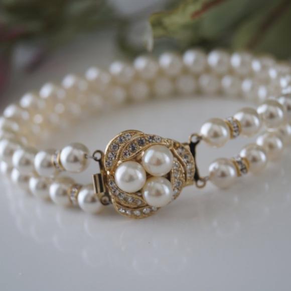 Swarovski Jewelry - Swarovski Cream Pearl Bracelet